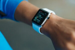 how to turn off Fitbit versa